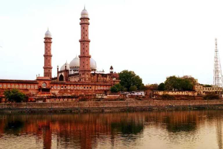 Top 27 Must Go Tourist Places in Madhya Pradesh